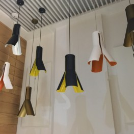 ALTAVOLA DESIGN Lampa wisząca Origami Design 1 czerń/bie