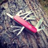 VICTORINOX Scyzoryk Deluxe Tinker - Czerwony 1.4723